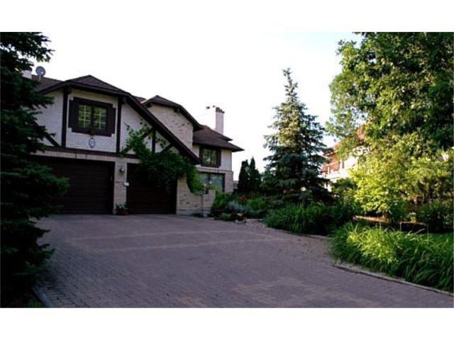 Main Photo: 19 Dunbar Crescent in WINNIPEG: River Heights / Tuxedo / Linden Woods Residential for sale (South Winnipeg)  : MLS®# 1004398