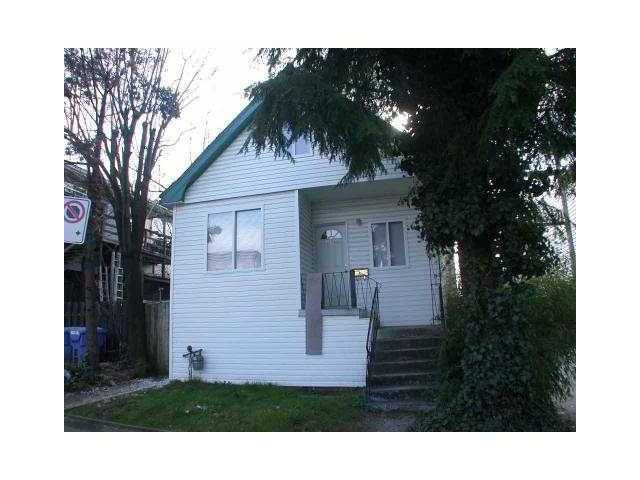 """Main Photo: 1680 PARKER Street in Vancouver: Grandview VE House Triplex for sale in """"COMMERCIAL DRIVE"""" (Vancouver East)  : MLS®# V843590"""
