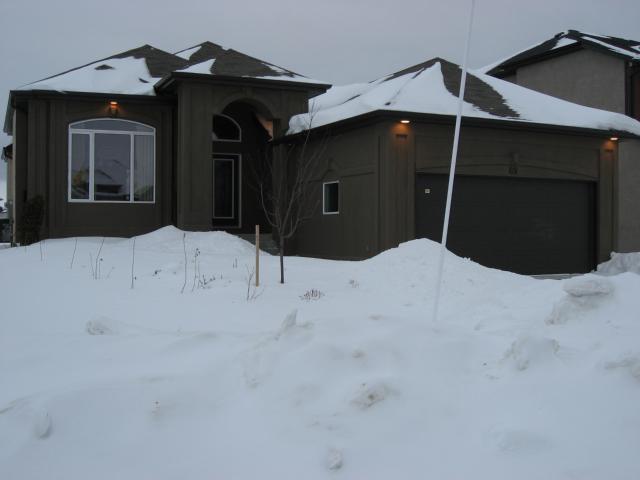 Main Photo: 69 Brookstone Place in WINNIPEG: Fort Garry / Whyte Ridge / St Norbert Residential for sale (South Winnipeg)  : MLS®# 1101237