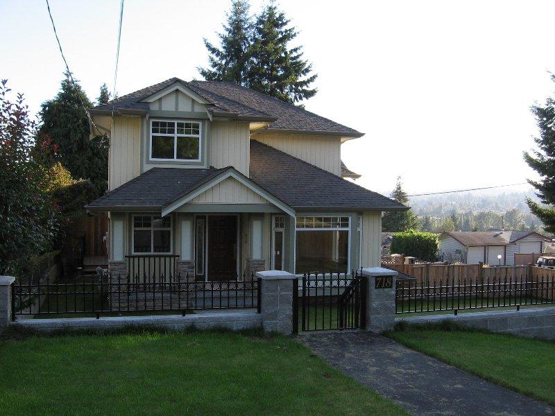 Main Photo: 718 DELESTRE Street in Coquitlam: Coquitlam West 1/2 Duplex for sale : MLS®# V614296