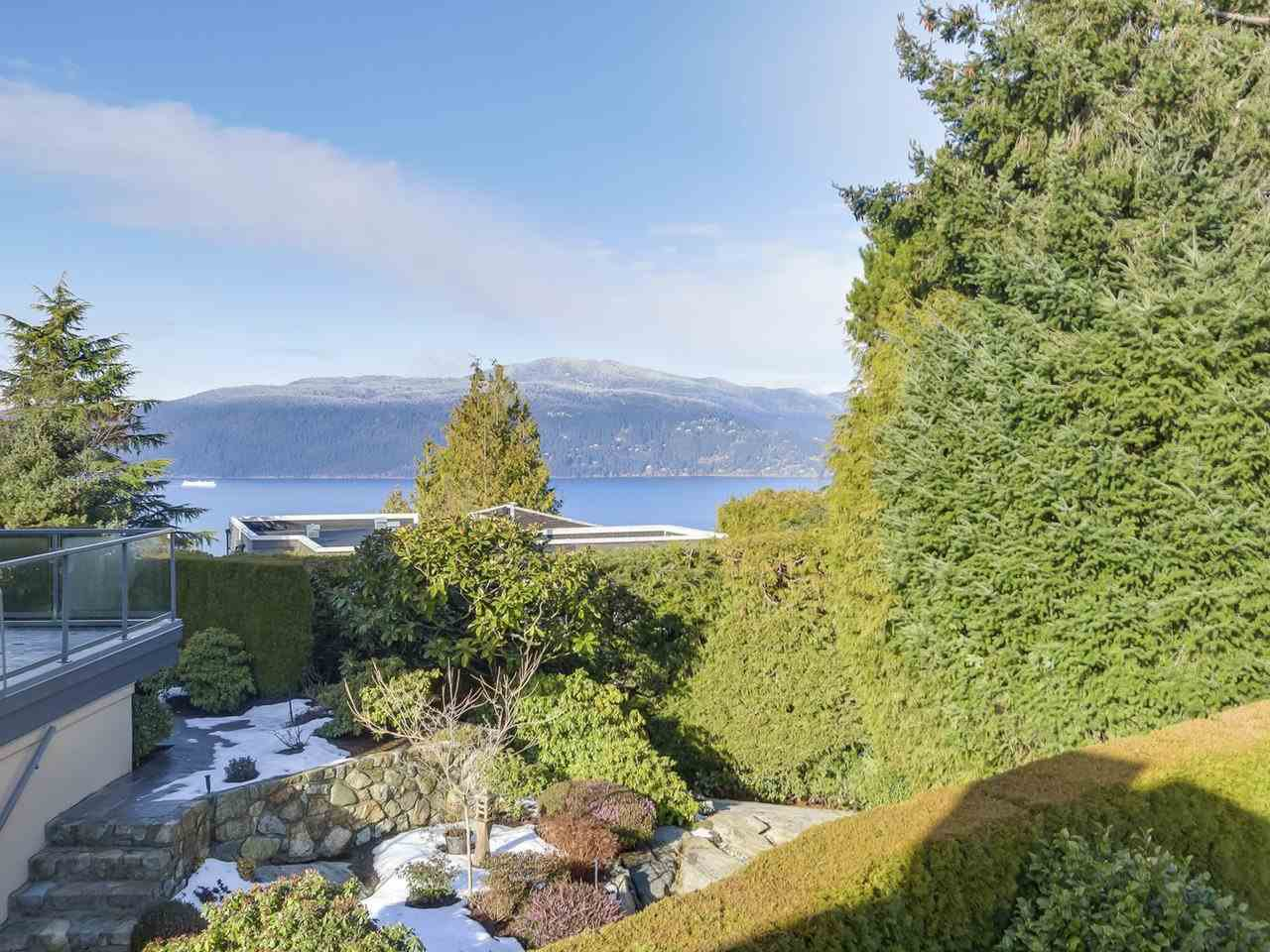Photo 19: Photos: 5441 WEST VISTA COURT in West Vancouver: Upper Caulfeild House for sale : MLS®# R2341877