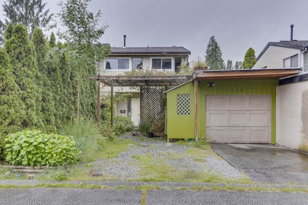 Main Photo: 870 PINEBROOK Place in Coquitlam: Meadow Brook 1/2 Duplex for sale : MLS®# R2464151