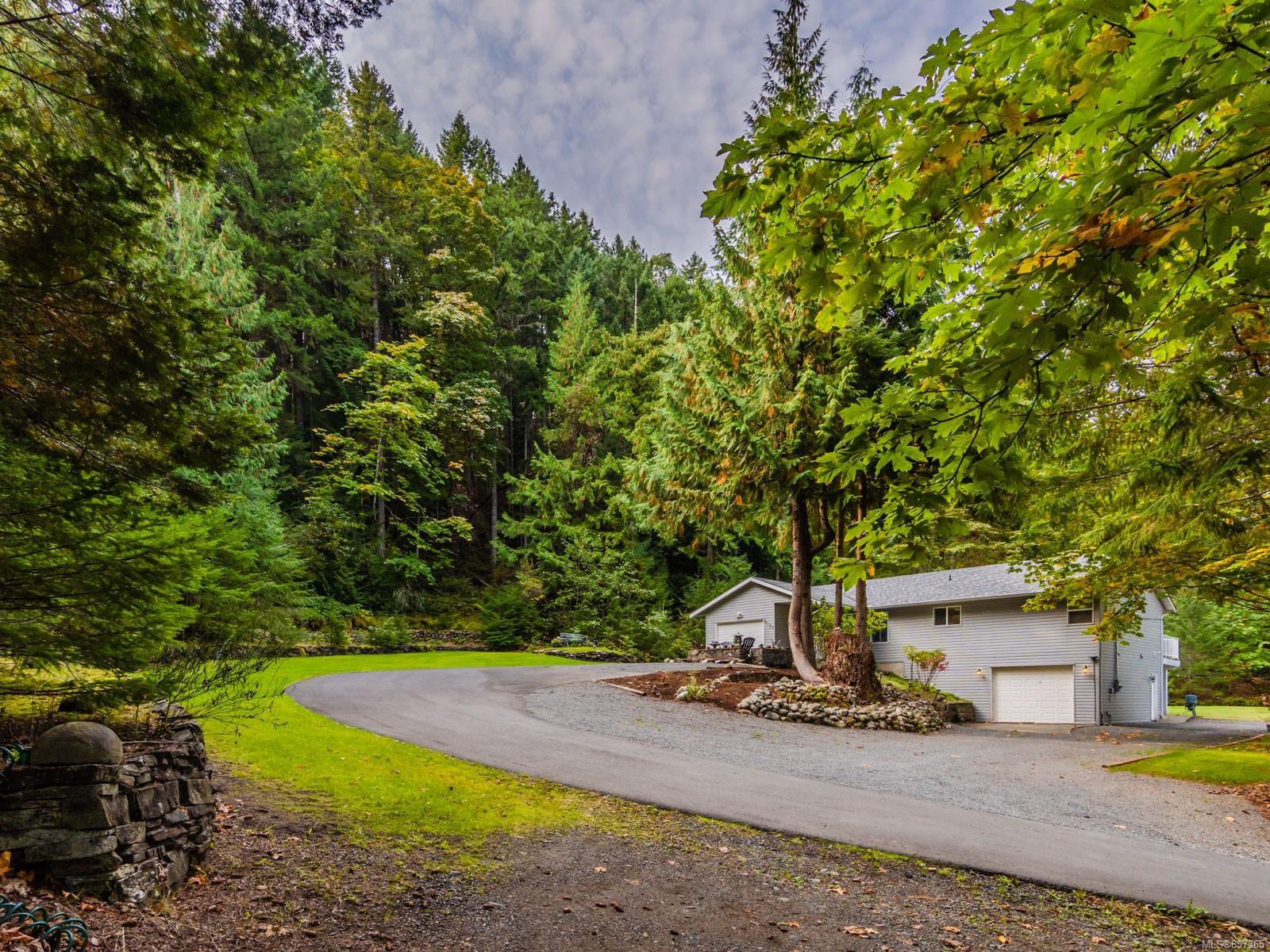 Main Photo: 8033 Sywash Ridge Rd in : Na Upper Lantzville House for sale (Nanaimo)  : MLS®# 857365