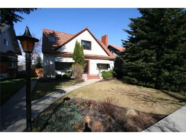 Main Photo: 310 SCARBORO Avenue SW in CALGARY: Scarboro Residential Detached Single Family for sale (Calgary)  : MLS®# C3424325