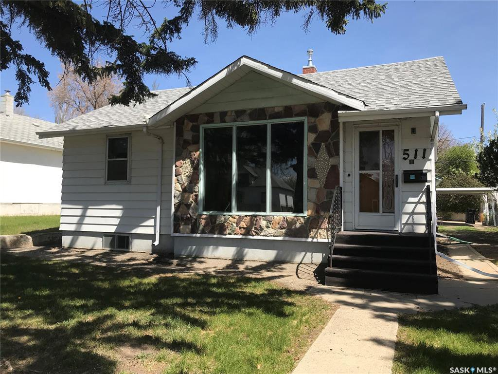 Main Photo: 511 4th Avenue Northwest in Swift Current: North West Residential for sale : MLS®# SK790044
