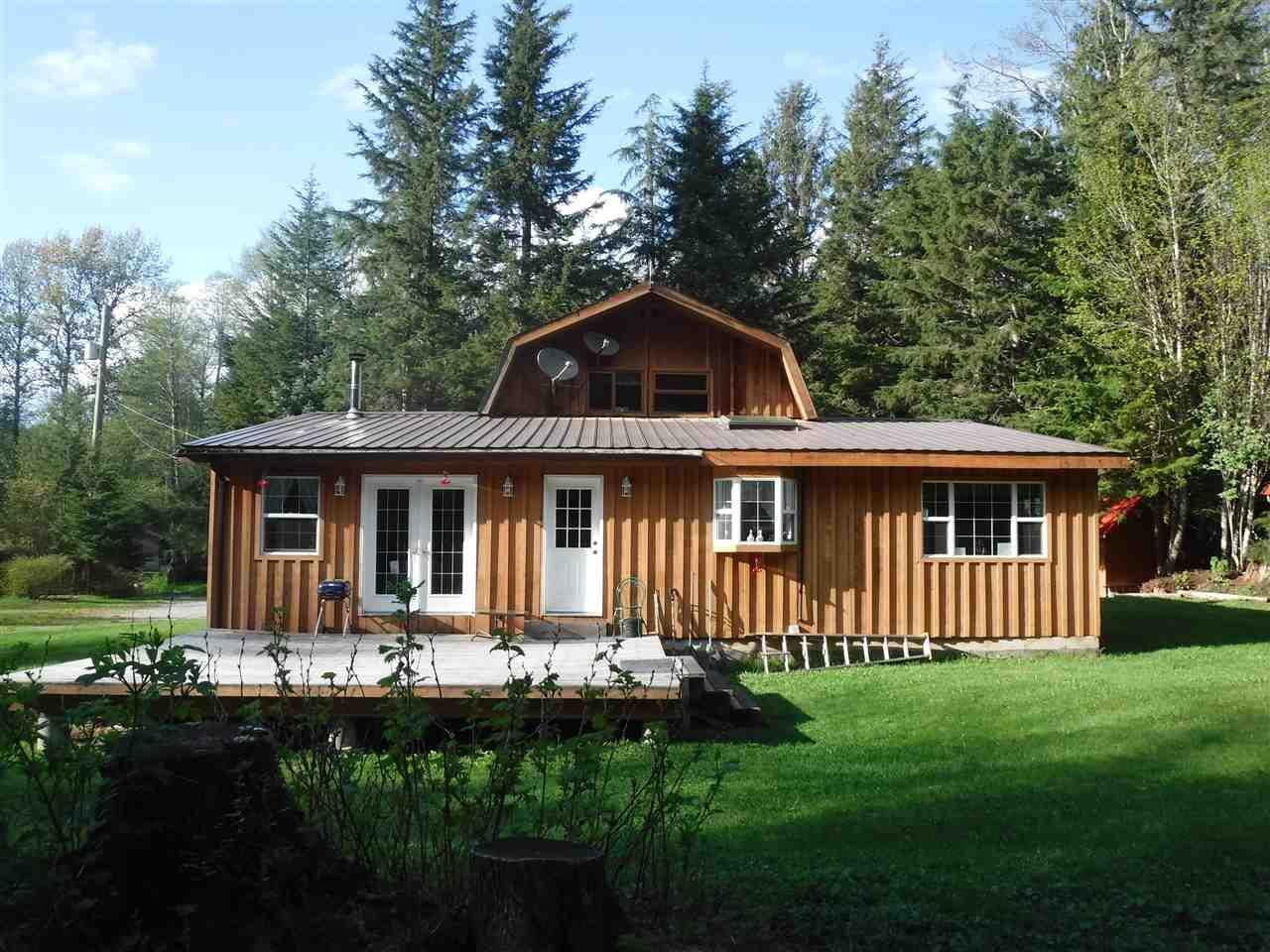 Main Photo: 2275 E MACKENZIE  20 Highway in Bella Coola: Bella Coola/Hagensborg House for sale (Williams Lake (Zone 27))  : MLS®# R2453262