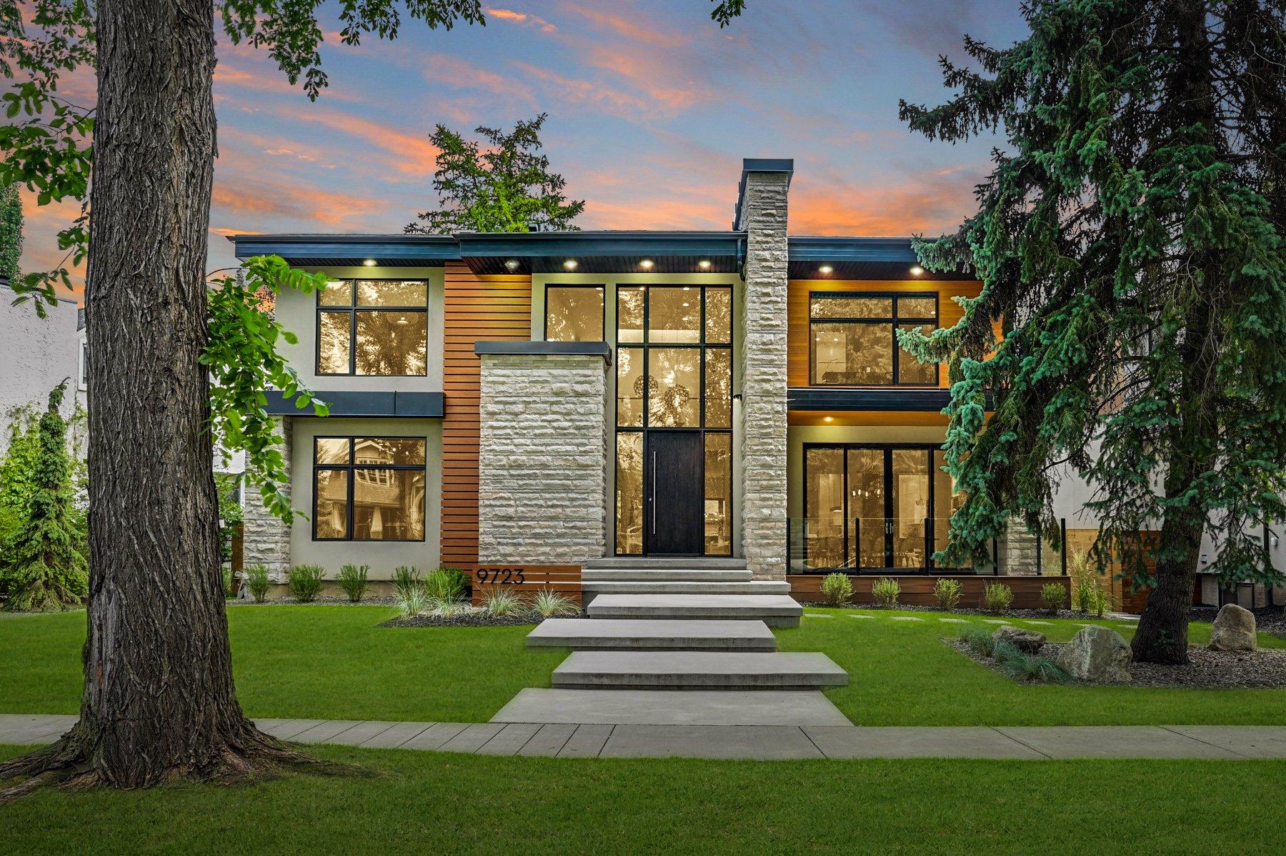 Main Photo: 9723 145 Street NW: Edmonton House for sale
