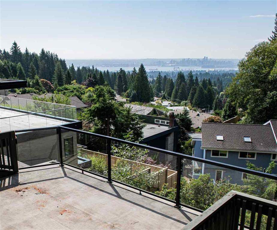 Main Photo: 5189 MADEIRA Court in North Vancouver: Canyon Heights NV House for sale : MLS®# R2505012