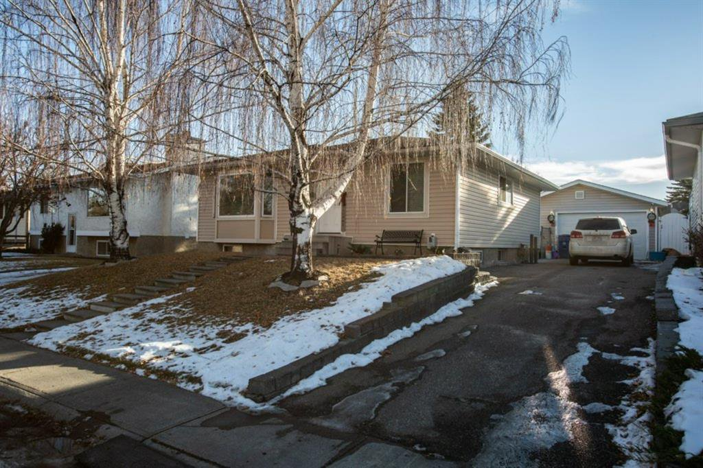 Main Photo: 423 Lysander Drive SE in Calgary: Ogden Detached for sale : MLS®# A1052411