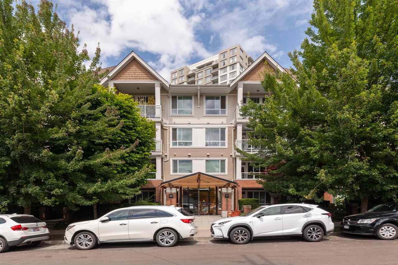 "Main Photo: 214 3651 FOSTER Avenue in Vancouver: Collingwood VE Condo for sale in ""FINALE"" (Vancouver East)  : MLS®# R2389057"