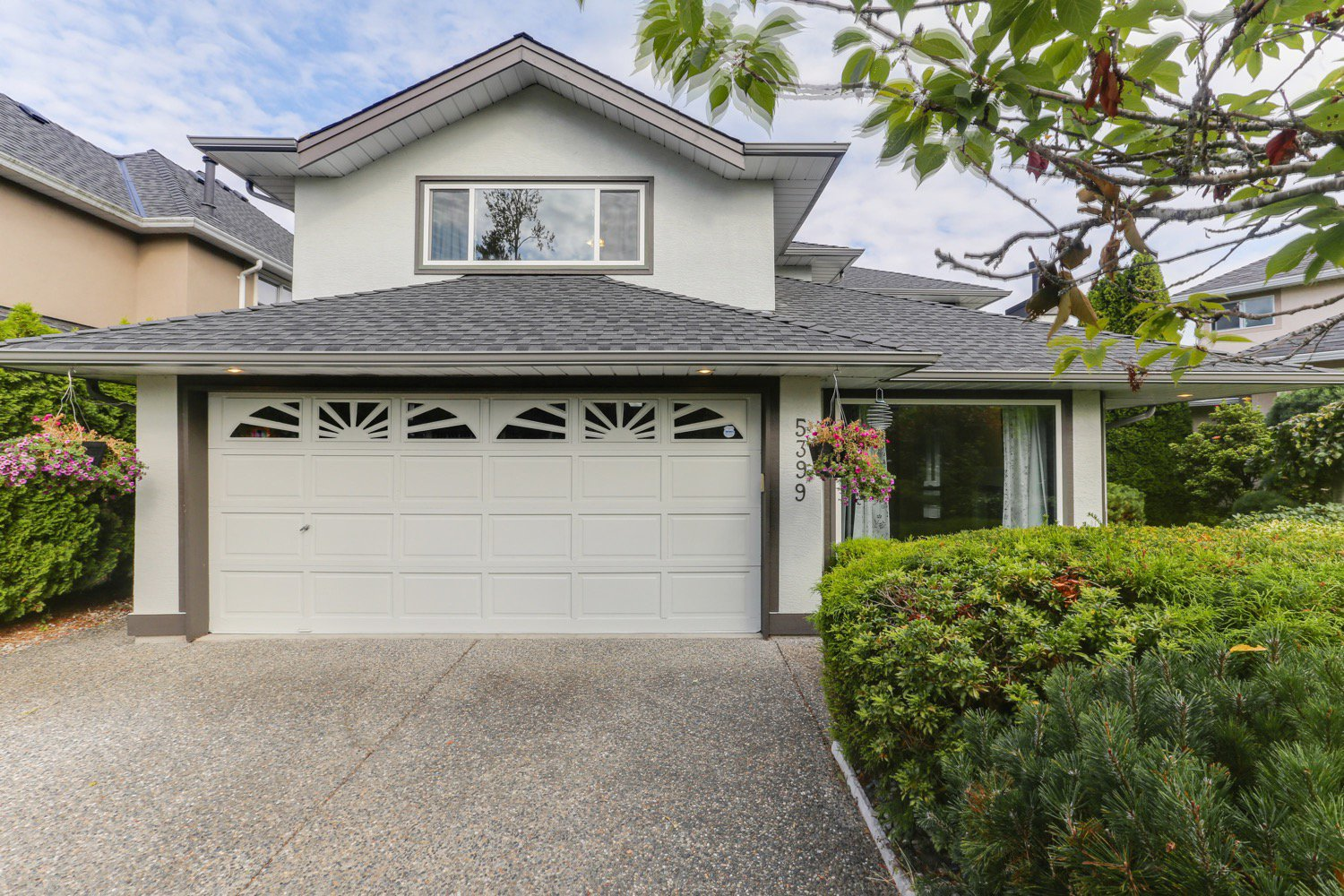 "Main Photo: 5399 BRIGANTINE Road in Delta: Neilsen Grove House for sale in ""MARINA GARDENS"" (Ladner)  : MLS®# R2401253"
