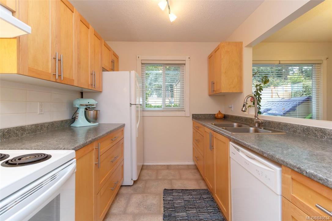 Main Photo: 101 1991 Kaltasin Rd in Sooke: Sk Billings Spit Condo Apartment for sale : MLS®# 840634