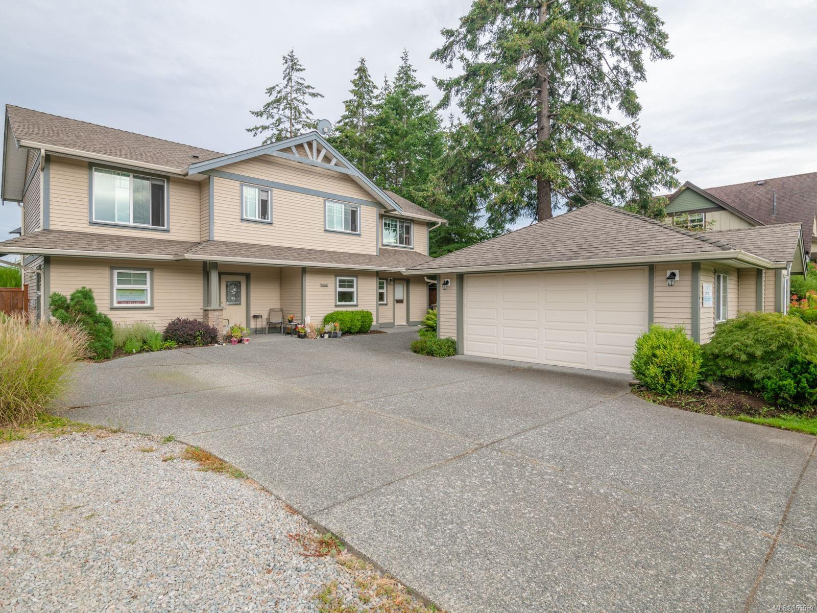 Main Photo: 602 Sarum Rise Way in : Na University District House for sale (Nanaimo)  : MLS®# 853589
