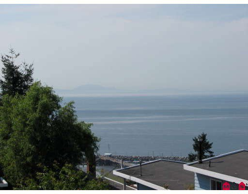 """Main Photo: 15134 BEACHVIEW Avenue in White_Rock: White Rock Townhouse for sale in """"KULEANA TOWNHOMES"""" (South Surrey White Rock)  : MLS®# F2824762"""