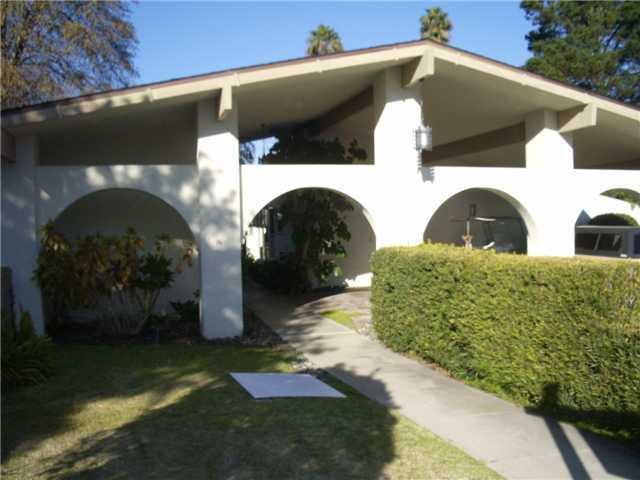 Main Photo: SAN MARCOS Condo for sale : 2 bedrooms : 1628 La Flora Dr.