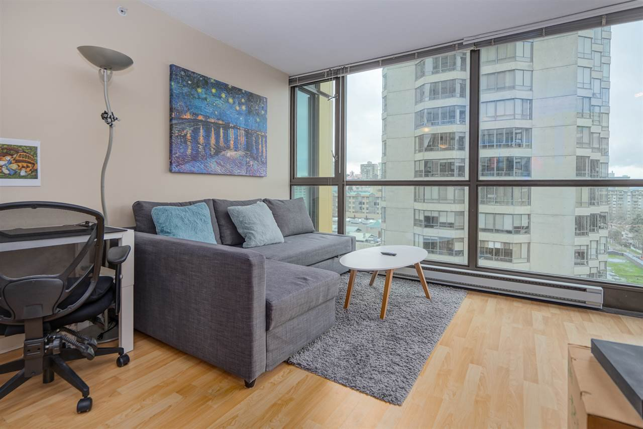 "Main Photo: 1202 1367 ALBERNI Street in Vancouver: West End VW Condo for sale in ""The Lions"" (Vancouver West)  : MLS®# R2431750"