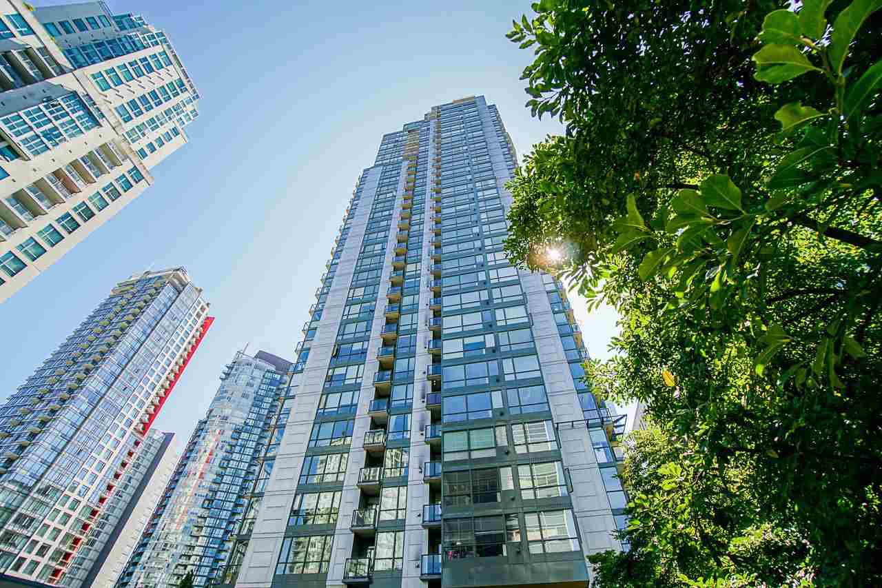 "Main Photo: 1706 1239 W GEORGIA Street in Vancouver: Coal Harbour Condo for sale in ""VENUS"" (Vancouver West)  : MLS®# R2488279"