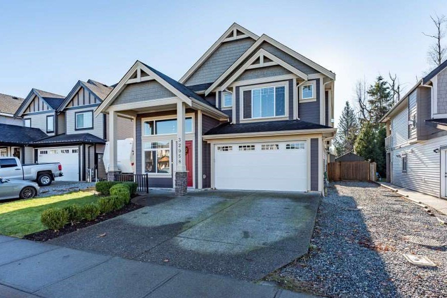 Main Photo: 32958 EGGLESTONE Avenue in Mission: Mission BC House for sale : MLS®# R2522416