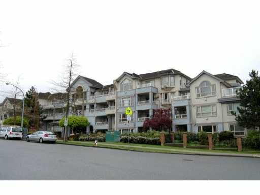 """Main Photo: 215 7326 ANTRIM Avenue in Burnaby: Metrotown Condo for sale in """"SOVEREIGN MANOR"""" (Burnaby South)  : MLS®# V823411"""