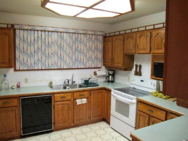 Photo 6: Photos:  in ESTPAUL: North Kildonan Residential for sale (North East Winnipeg)  : MLS®# 1017568