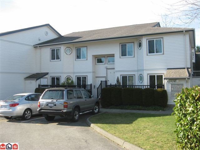 "Main Photo: 9 12928 17TH Avenue in Surrey: Crescent Bch Ocean Pk. Townhouse for sale in ""OCEAN PARK VILLAGE"" (South Surrey White Rock)  : MLS®# F1102744"