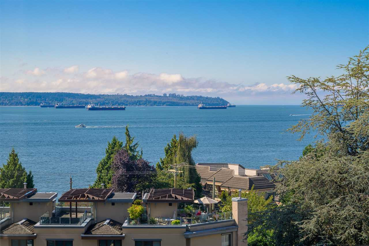 """Main Photo: 602 2167 BELLEVUE Avenue in West Vancouver: Dundarave Condo for sale in """"THE VANDEMAR WEST"""" : MLS®# R2401668"""