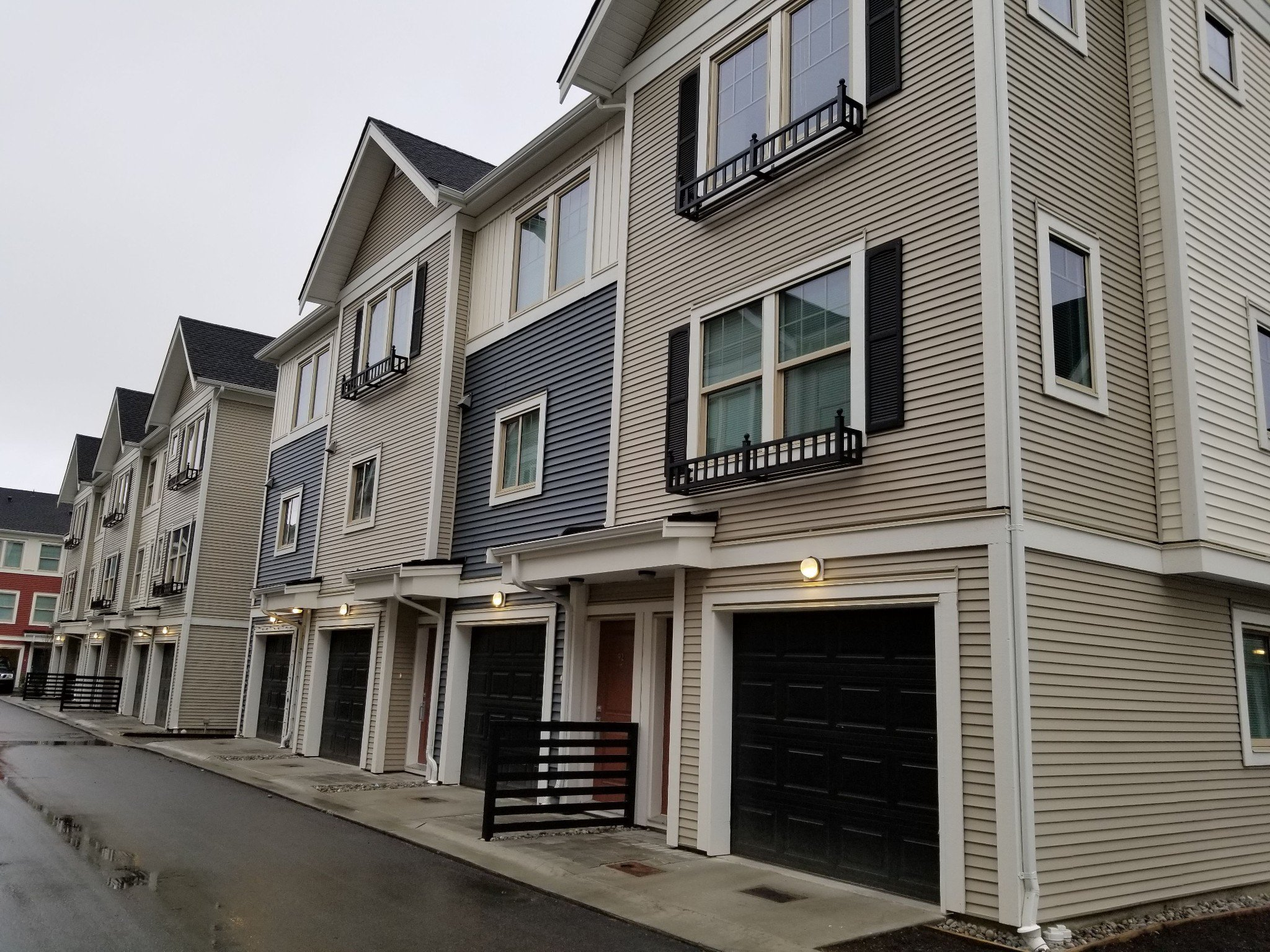 Main Photo: 109 32633 Simon Ave in Abbotsford: Abbotsford West Townhouse for sale