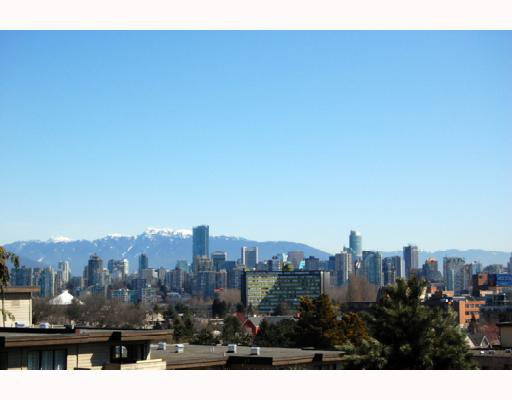 Main Photo: 201 2148 W 2ND Avenue in Vancouver: Kitsilano Condo for sale (Vancouver West)  : MLS®# V760433