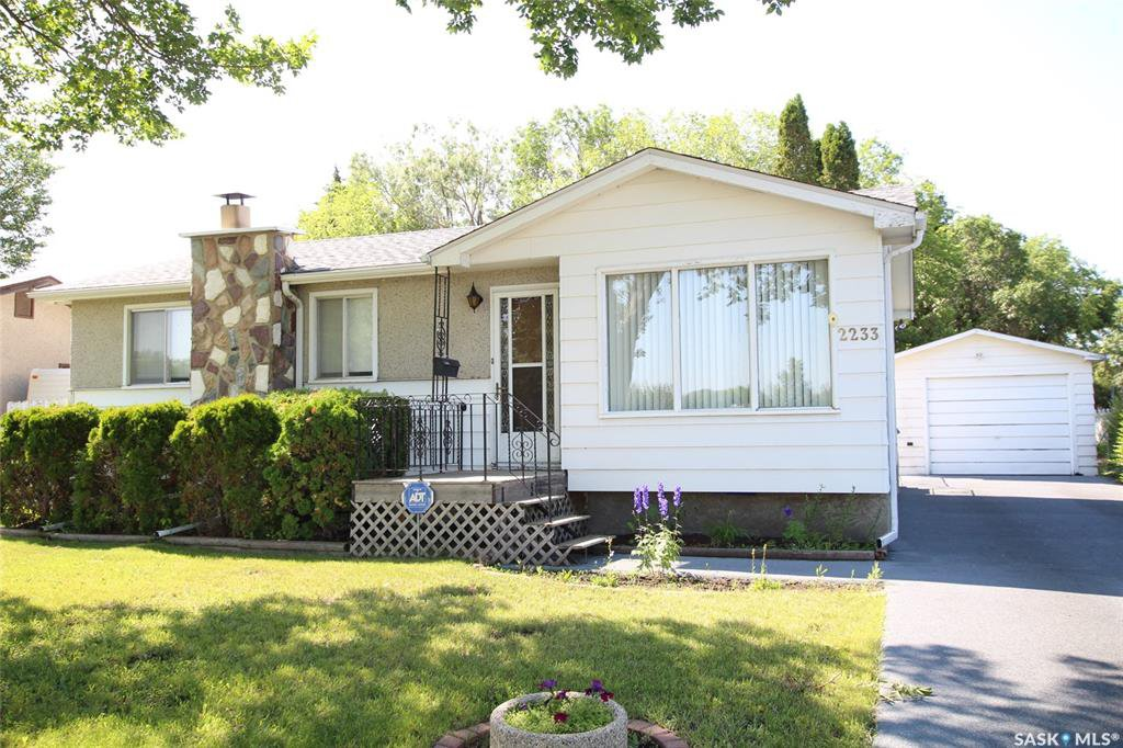 Main Photo: 2233 Richardson Road in Saskatoon: Westview Heights Residential for sale : MLS®# SK779909