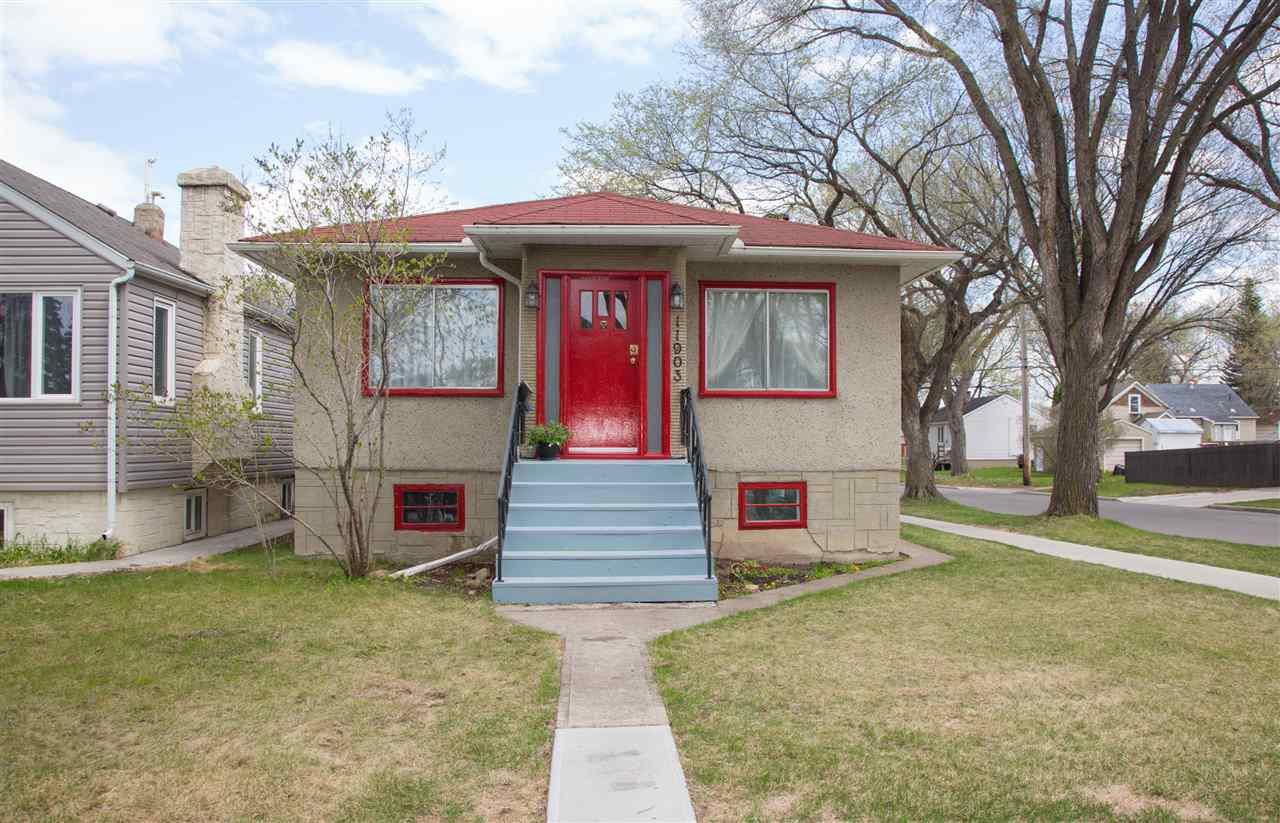 Main Photo: 11903 65 Street in Edmonton: Zone 06 House for sale : MLS®# E4197579