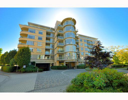 "Main Photo: 512 2655 CRANBERRY Drive in Vancouver: Kitsilano Condo for sale in ""New Yorker"" (Vancouver West)  : MLS®# V787040"