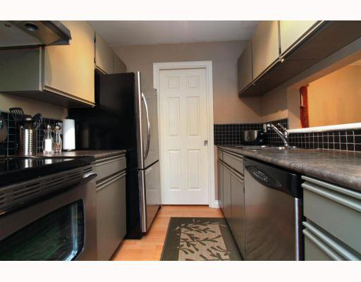 Photo 4: Photos: 119 555 W 14TH Avenue in Vancouver: Fairview VW Condo for sale (Vancouver West)  : MLS®# V808862