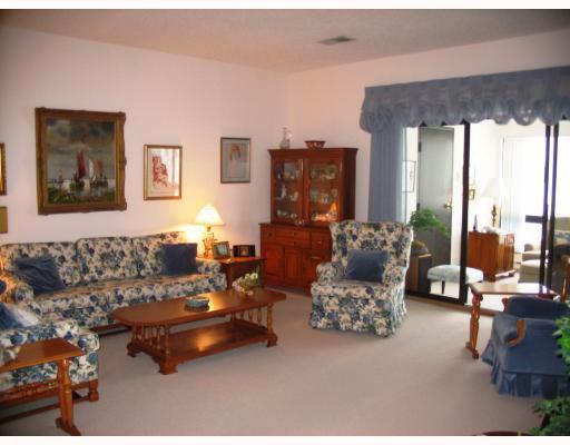 Photo 3: Photos:  in WINNIPEG: Fort Garry / Whyte Ridge / St Norbert Condominium for sale (South Winnipeg)  : MLS®# 2903876