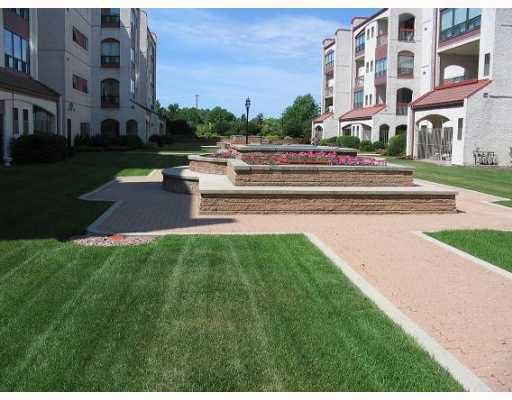 Photo 2: Photos:  in WINNIPEG: Fort Garry / Whyte Ridge / St Norbert Condominium for sale (South Winnipeg)  : MLS®# 2903876