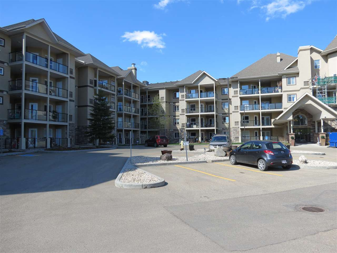 Main Photo: 403 1320 RUTHERFORD Road in Edmonton: Zone 55 Condo for sale : MLS®# E4197039