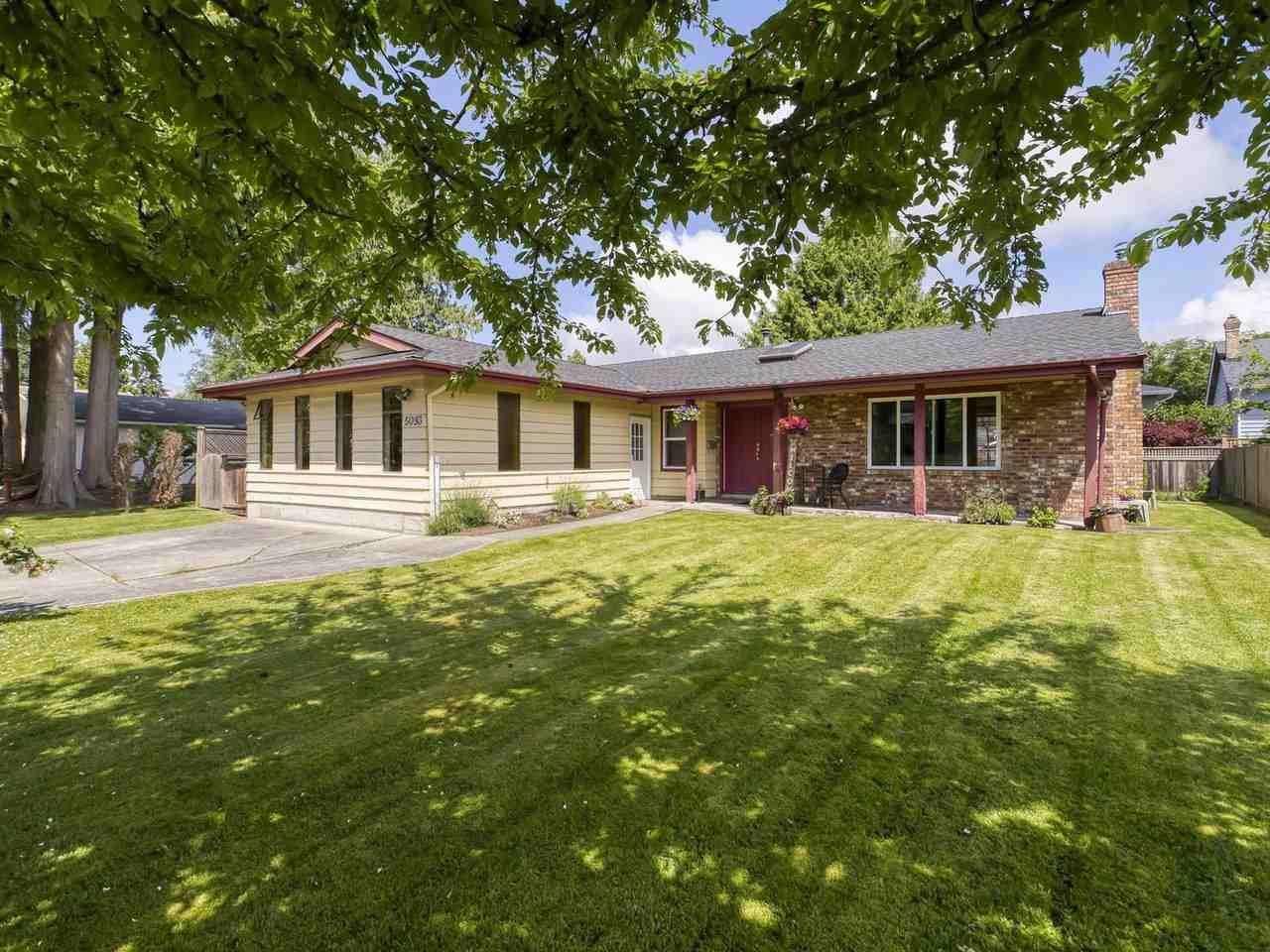 Main Photo: 5093 2 Avenue in Delta: Pebble Hill House for sale (Tsawwassen)  : MLS®# R2462013