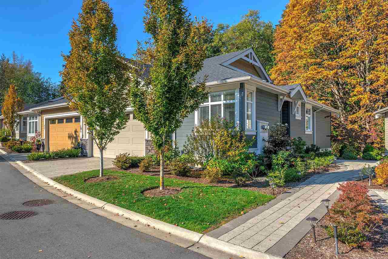 """Main Photo: 14 15989 MOUNTAIN VIEW Drive in Surrey: Grandview Surrey Townhouse for sale in """"Hearthstone"""" (South Surrey White Rock)  : MLS®# R2476687"""