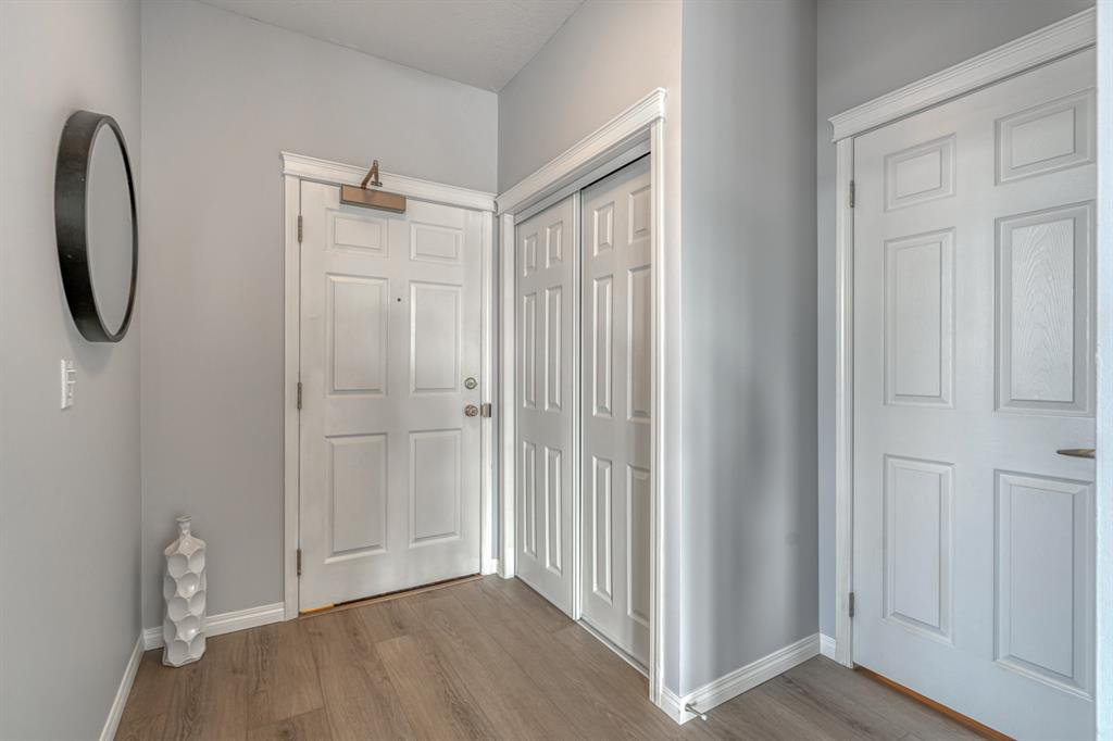 Photo 3: Photos: 107 2134 Kensington Road NW in Calgary: West Hillhurst Apartment for sale : MLS®# A1040983