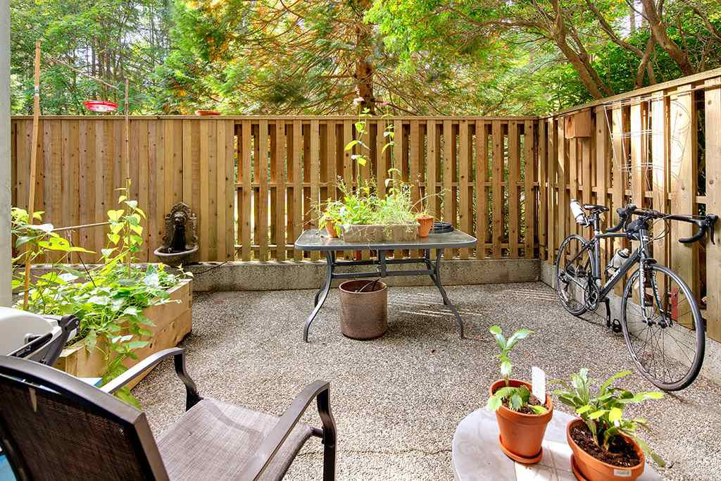 Main Photo: 101 2020 FULLERTON AVENUE in North Vancouver: Pemberton NV Condo for sale : MLS®# R2509753