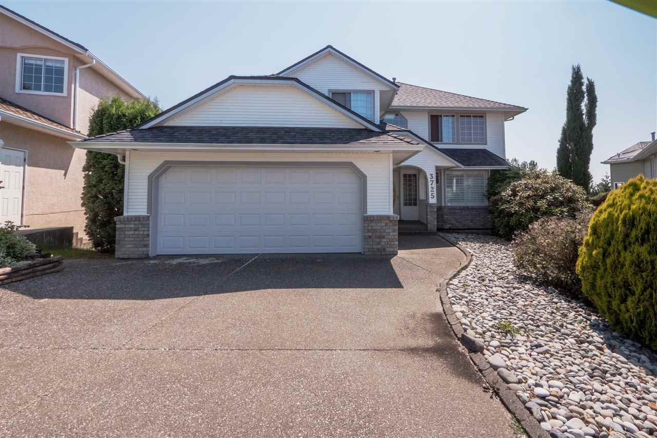 Main Photo: 3725 LETHBRIDGE Drive in Abbotsford: Abbotsford East House for sale : MLS®# R2439515