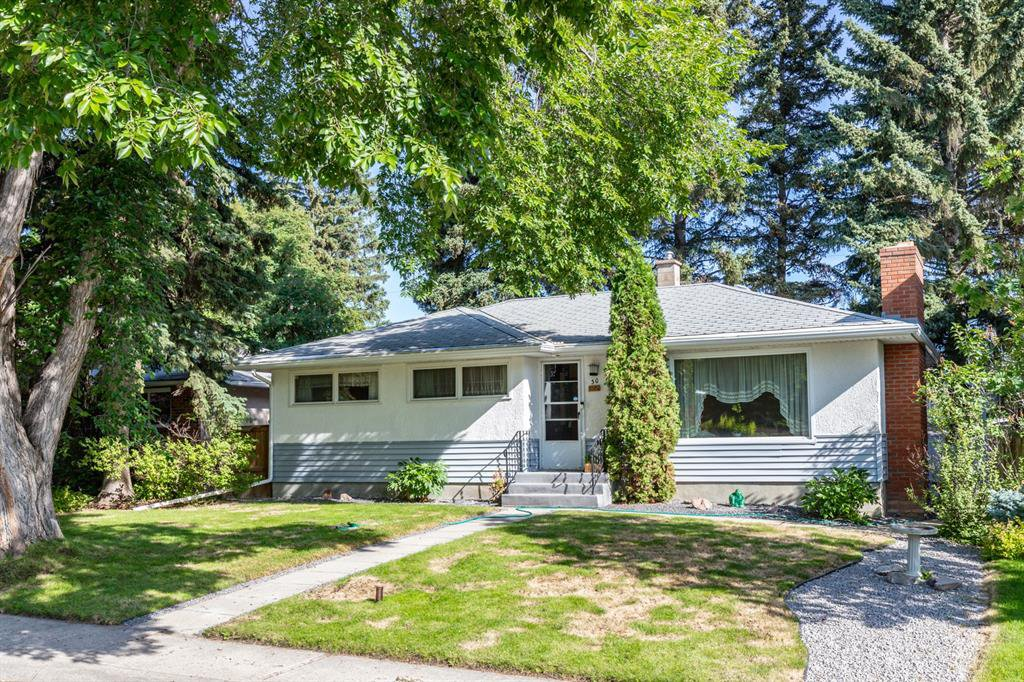 Main Photo: 30 LISSINGTON Drive SW in Calgary: North Glenmore Park Detached for sale : MLS®# A1014749