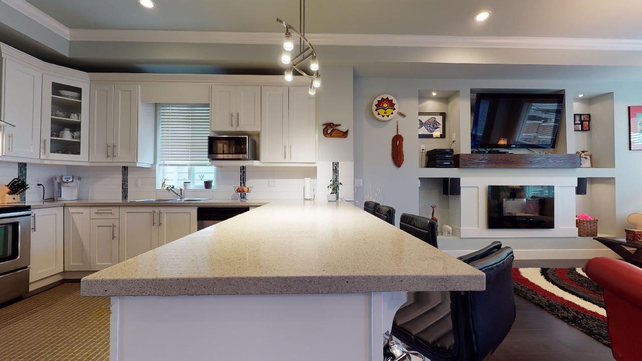 """Photo 14: Photos: 7317 192 Street in Surrey: Clayton 1/2 Duplex for sale in """"CLAYTON HEIGHTS"""" (Cloverdale)  : MLS®# R2489805"""
