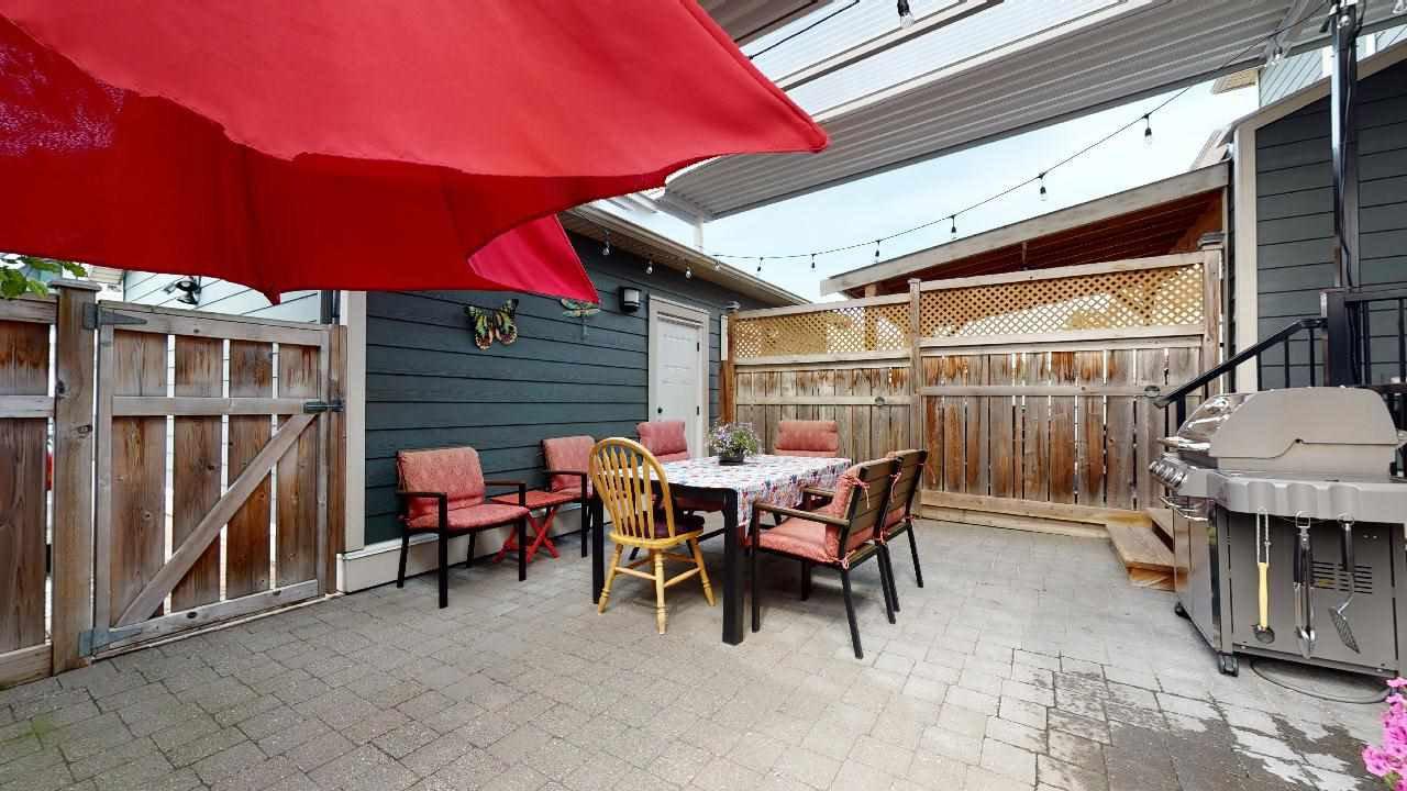 """Photo 5: Photos: 7317 192 Street in Surrey: Clayton 1/2 Duplex for sale in """"CLAYTON HEIGHTS"""" (Cloverdale)  : MLS®# R2489805"""