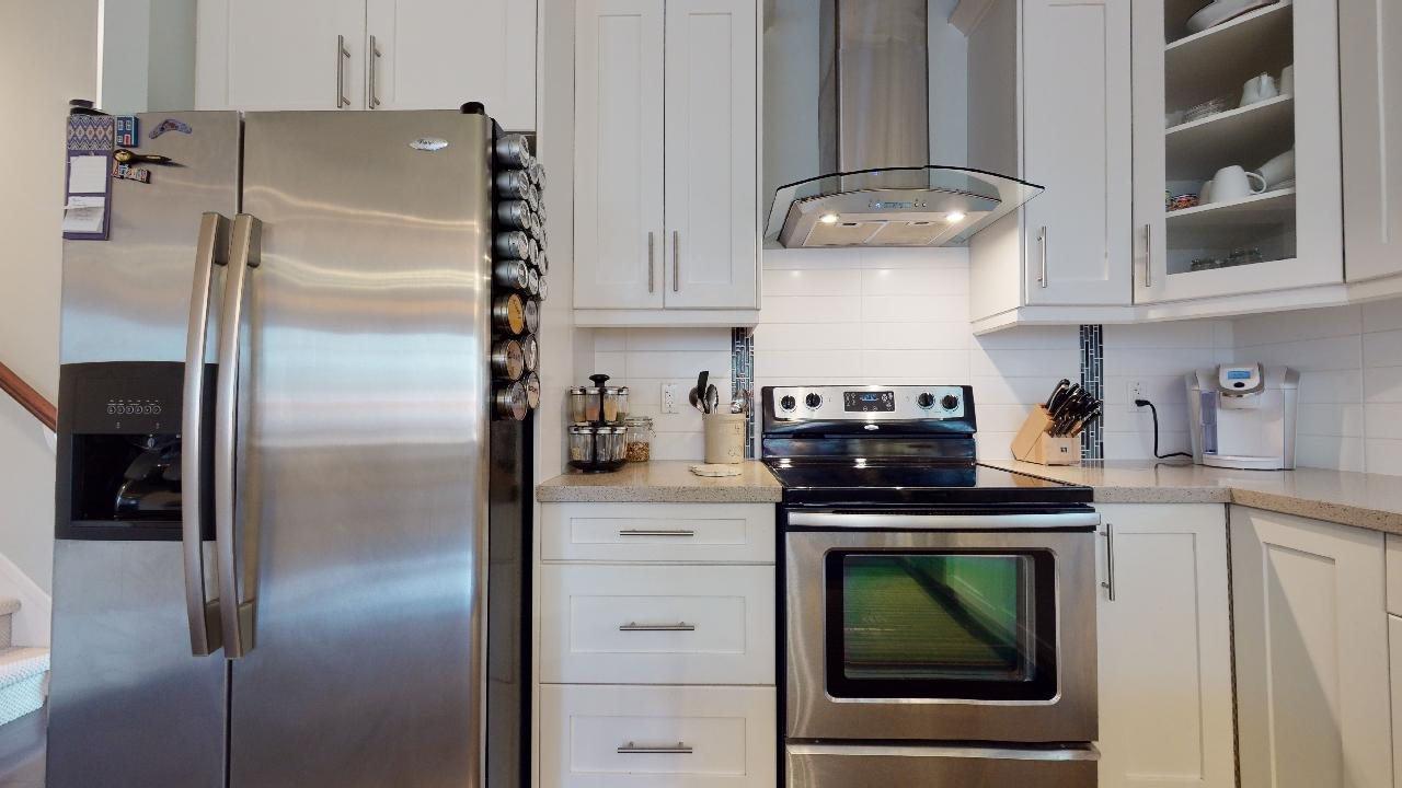 """Photo 17: Photos: 7317 192 Street in Surrey: Clayton 1/2 Duplex for sale in """"CLAYTON HEIGHTS"""" (Cloverdale)  : MLS®# R2489805"""