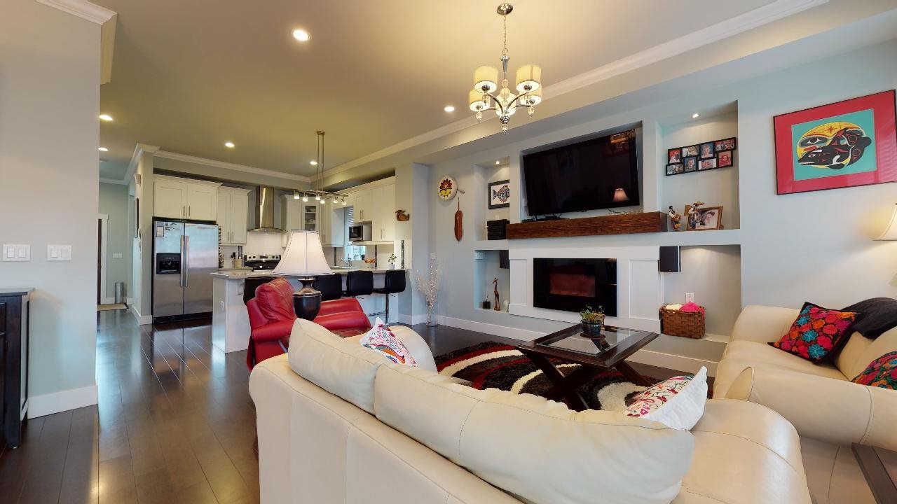 """Photo 7: Photos: 7317 192 Street in Surrey: Clayton 1/2 Duplex for sale in """"CLAYTON HEIGHTS"""" (Cloverdale)  : MLS®# R2489805"""
