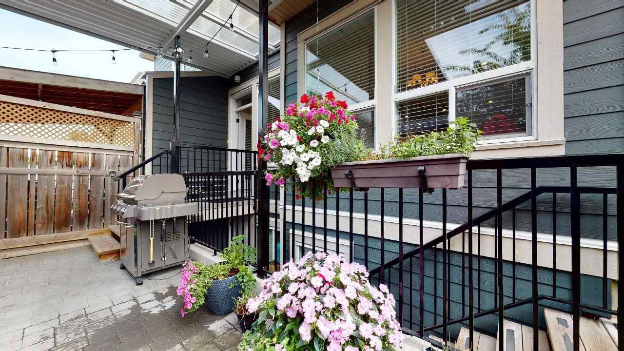 """Photo 2: Photos: 7317 192 Street in Surrey: Clayton 1/2 Duplex for sale in """"CLAYTON HEIGHTS"""" (Cloverdale)  : MLS®# R2489805"""