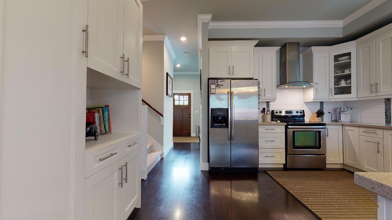 """Photo 13: Photos: 7317 192 Street in Surrey: Clayton 1/2 Duplex for sale in """"CLAYTON HEIGHTS"""" (Cloverdale)  : MLS®# R2489805"""