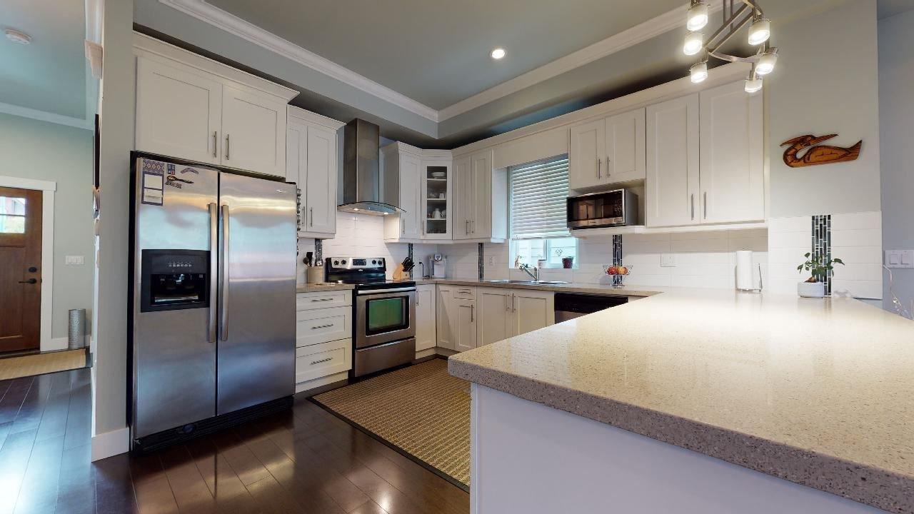 """Photo 15: Photos: 7317 192 Street in Surrey: Clayton 1/2 Duplex for sale in """"CLAYTON HEIGHTS"""" (Cloverdale)  : MLS®# R2489805"""
