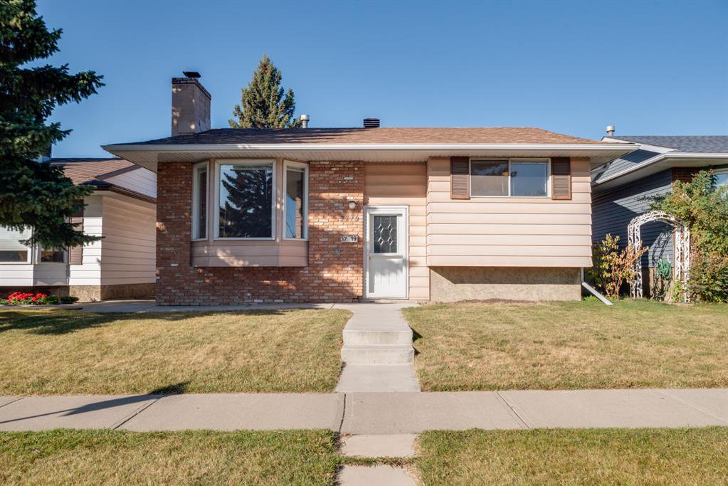 Main Photo: 3719 28 Street SE in Calgary: Dover Detached for sale : MLS®# A1040737