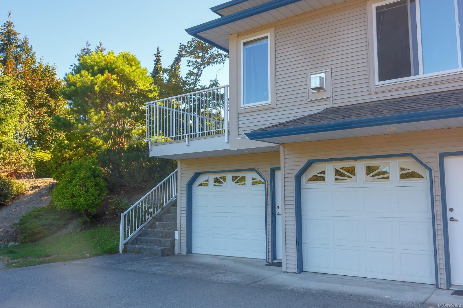Main Photo: 101 1150 Walkem Rd in : Du Ladysmith Condo for sale (Duncan)  : MLS®# 857872